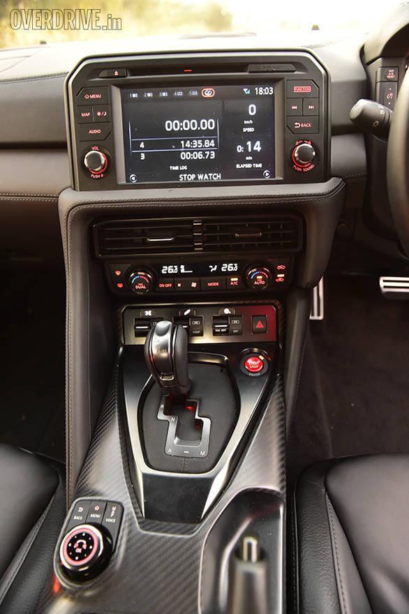 2016 Nissan GTR (9)