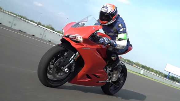 Ducati 959 Panigale - First Ride Review - Video