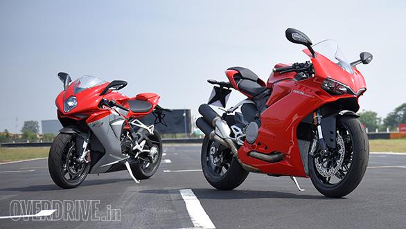 Ducati 959 Panigale vs MV Agusta F3 Track test (3)
