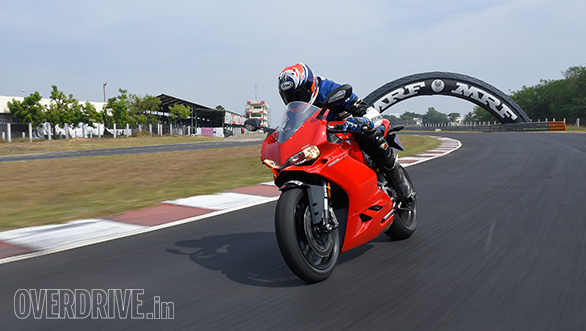 Ducati 959 Panigale vs MV Agusta F3 Track test (4)