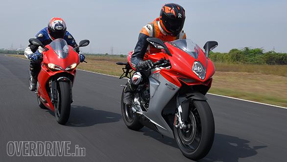 Ducati 959 Panigale vs MV Agusta F3 Track test (9)