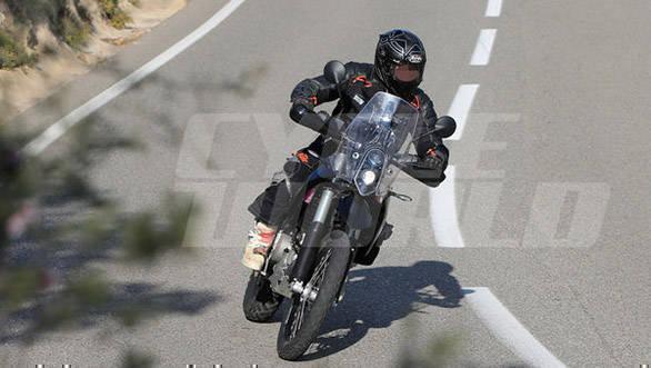 KTM 390 Adventure (2)