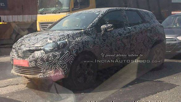 Spied: Renault Kaptur spotted testing in India