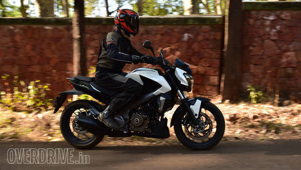 Bajaj Dominar 400 (action) (6)