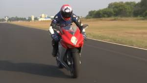 MV Agusta F3 first ride review in India - Video