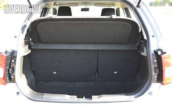 The Ignis' boot has a 260l capacity, which is significantly more than the Swift's 204l