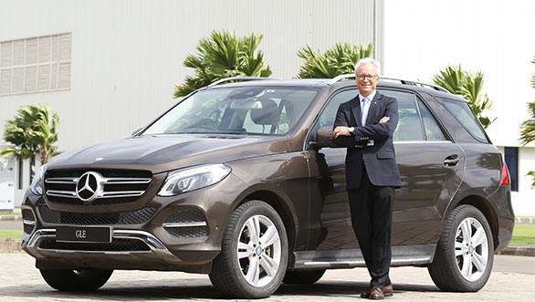 Mr.-Roland-Folger,-MD-&-CEO,-Mercedes-Benz-India-with-the-Mercedes-Benz-...