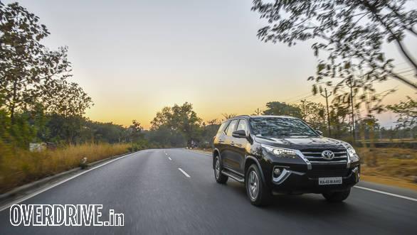 Toyota fortuner 2016-50 (2)