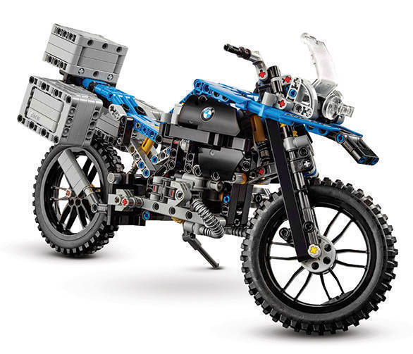 lego-technic-bmw-r-1200gs-adventure-42063-side