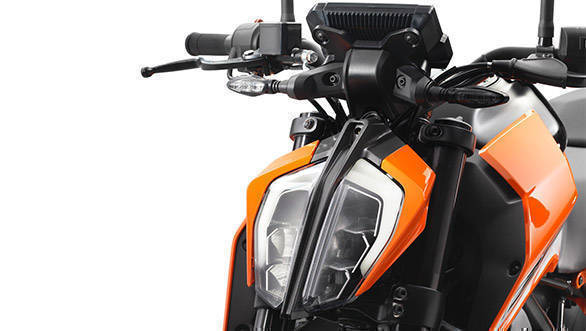 2017 KTM 390 Duke headight detail