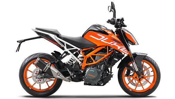 2017 KTM 390 Duke Side Studio shot