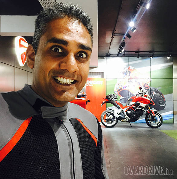 A full-on ball of emotions as I take delivery at Ducati Mumbai. A gaggle of friends showed up and it was wonderful and inside my deepest of the deep, slightly awkward
