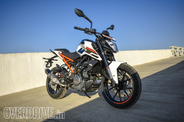 KTM Duke 250 2017 right front 3/4