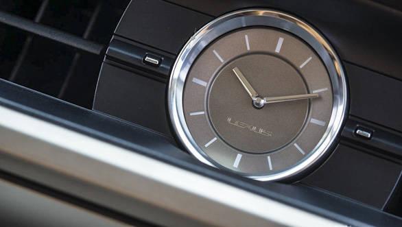 Lexus ES 300h (13)