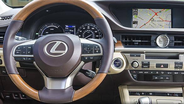 Lexus ES 300h (14)