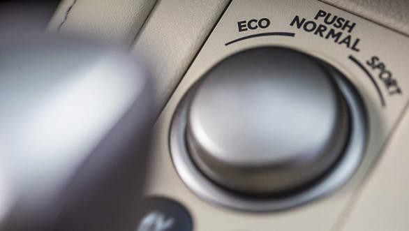 Lexus ES 300h (15)