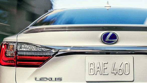 Lexus ES 300h (8)