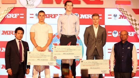 Sachin Tendulkar presents MRF Challenge winners with championship trophies