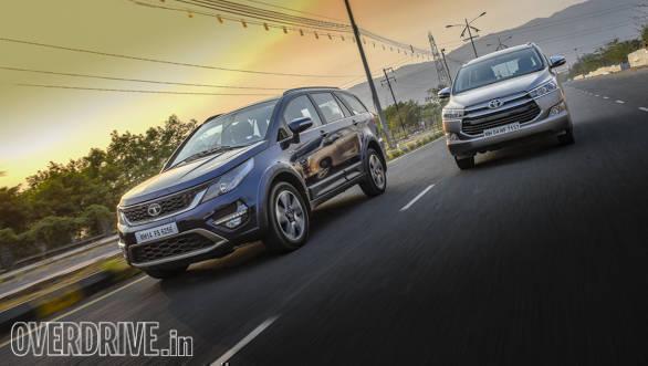 Tata Hexa Vs Toyota Innova Comparo 2017 (4)