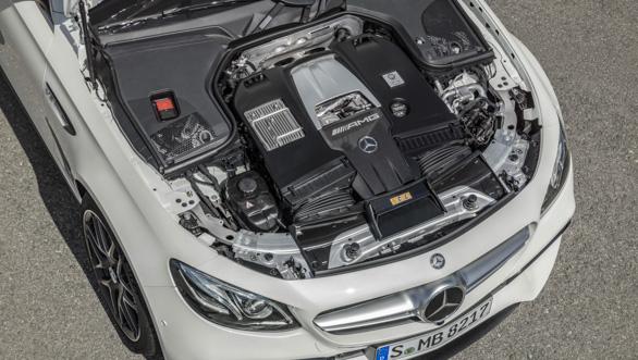 Mercedes-AMG E 63 S 4MATIC+ T-Modell, diamantwei, Motor ;Kraftstoffverbrauch kombiniert: 9,1  l/100 km, CO2-Emissionen kombiniert: 206 g/km Mercedes-AMG E 63 S 4MATIC+ Estate, diamond white, engine; Fuel consumption combined:  9.1  l/100 km; combined CO2 emissions: 206 g/km
