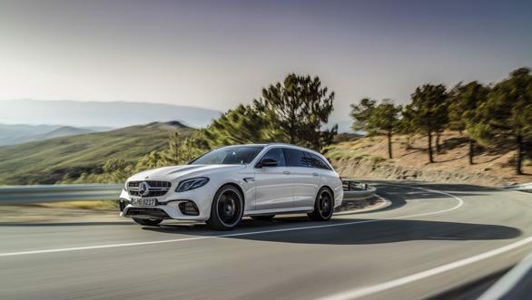 Mercedes-AMG E 63 S 4MATIC+ T-Modell, diamantwei, Fahraufnahme ;Kraftstoffverbrauch kombiniert: 9,1  l/100 km, CO2-Emissionen kombiniert: 206 g/km Mercedes-AMG E 63 S 4MATIC+ Estate, diamond white, driving shot; Fuel consumption combined:  9.1  l/100 km; combined CO2 emissions: 206 g/km
