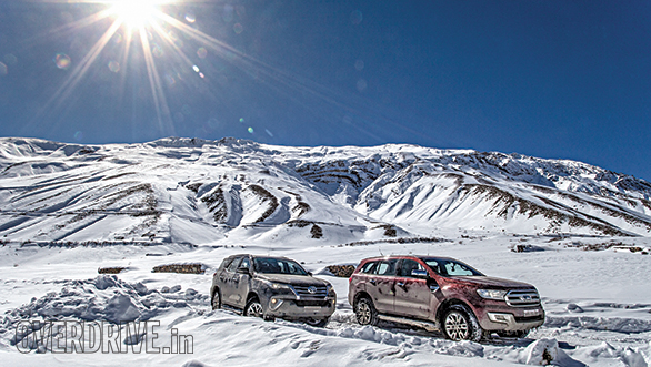 Toyota Fortuner vs Ford Endeavour Kaza Drive Comparo (18)