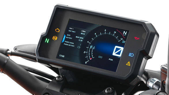 2017 KTM 390 Duke TFT screen