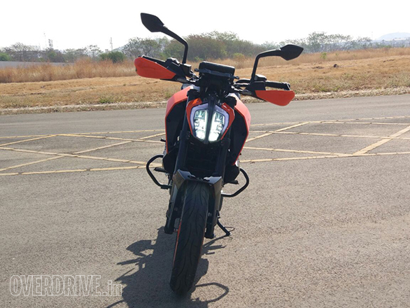 The 2017 KTM 390 Duke cuts a distinctive figure with the LED headlights. The handguards are going to be offered only in India because they're seen as a value item.
