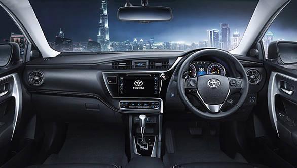 2017 Toyota Corolla Altis (2)