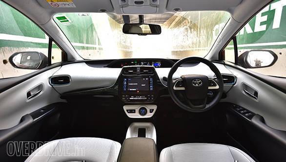 2017 Toyota Prius (10)
