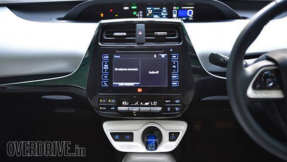 2017 Toyota Prius (11)