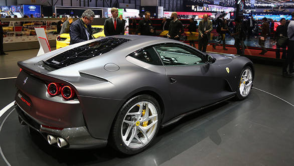 Ferrari 812 Superfast (8)