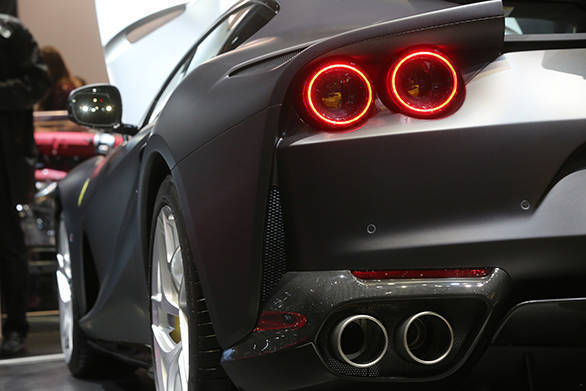 Ferrari 812 Superfast (9)