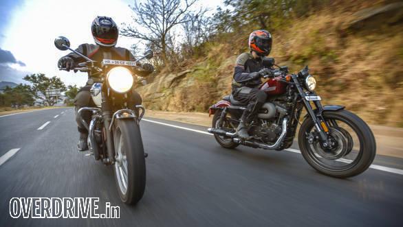 Harley Davidson Roadster vs Triumph Bonneville T100 (4)