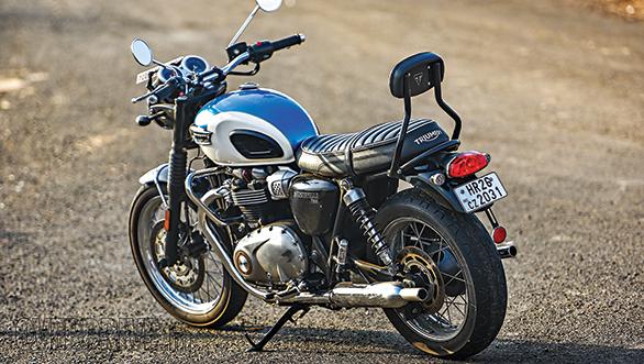 Harley-Davidson Roadster vs Triumph Bonneville T100 (6)
