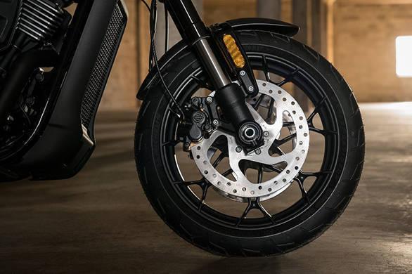 Harley Davidson Streetrod 17 (2)