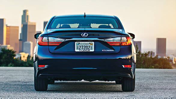 Lexus ES 300h (4)