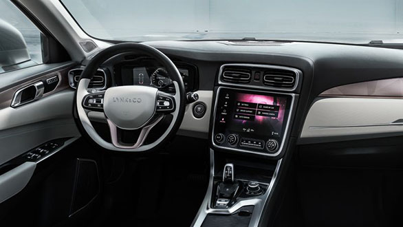 Lynk&Co 01 interior