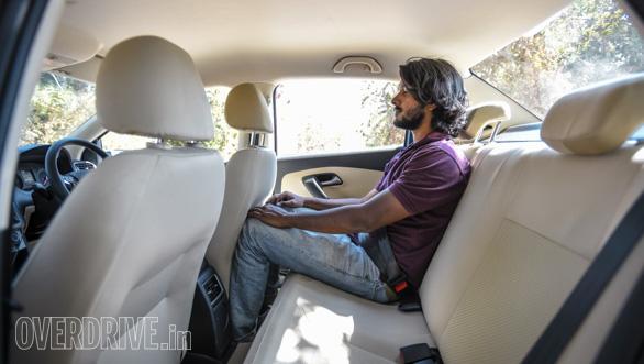 Maruti Suzuki Ignis vs Hyundai Grand i10 vs VW Ameo vs Mahindra KUV Comparo (236)