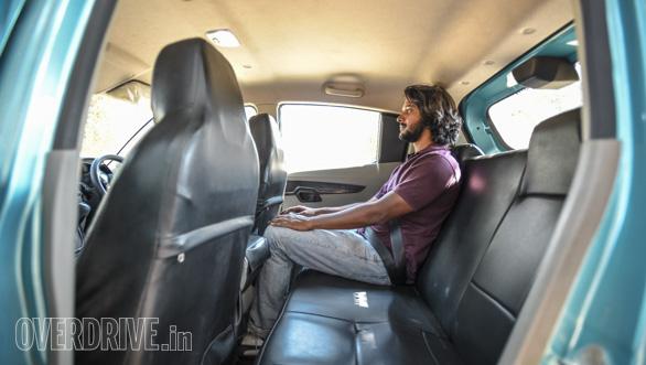 Maruti Suzuki Ignis vs Hyundai Grand i10 vs VW Ameo vs Mahindra KUV Comparo (237)