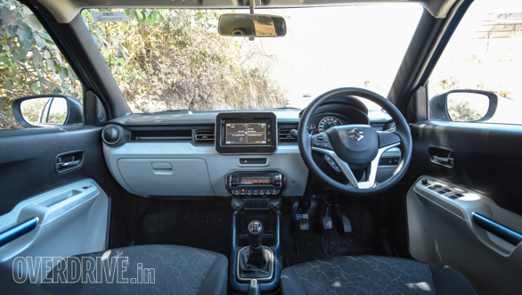 Maruti Suzuki Ignis vs Hyundai Grand i10 vs VW Ameo vs Mahindra KUV Comparo (37)