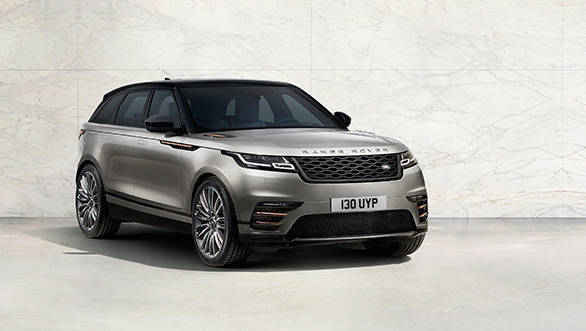 The headlights look like a sleeker version of those on the Range Rover Sport, while the large grille reminds us of the Range Rover Vogue