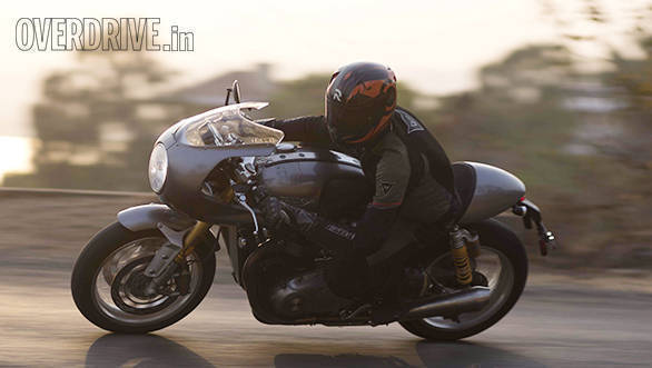 2017 Triumph Thruxton R road test review