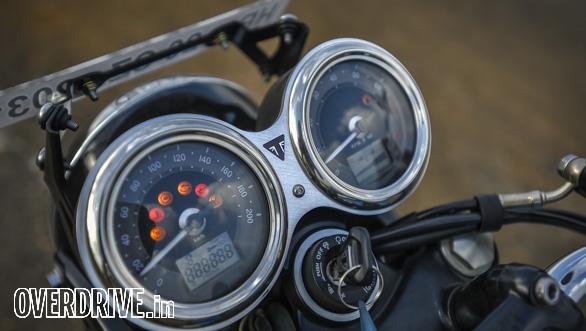 Triumph Bonneville T100 (30)