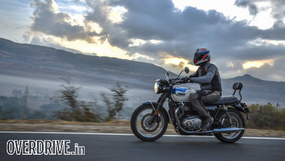 2016 Triumph Bonneville T100 road test review