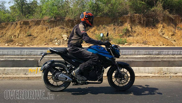 2017 Yamaha FZ25 first ride review