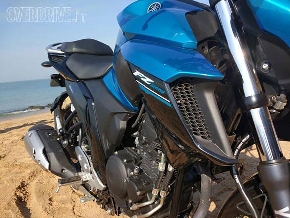 Yamaha FZ25 (10)