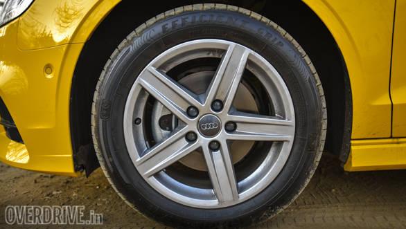 2017 Audi A3 Cabriolet  (90)