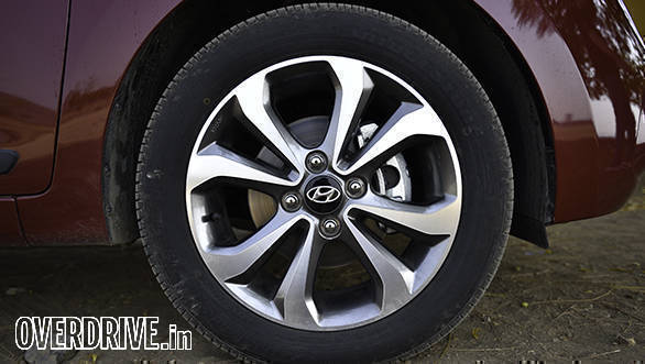 The 15-inch alloy wheels carry forward unchanged