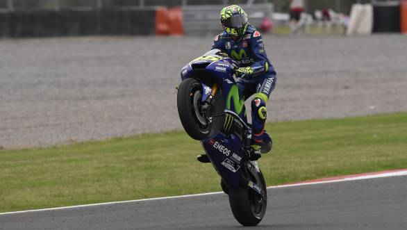 MotoGP: Valentino Rossi signs with Movistar Yamaha for a further two years